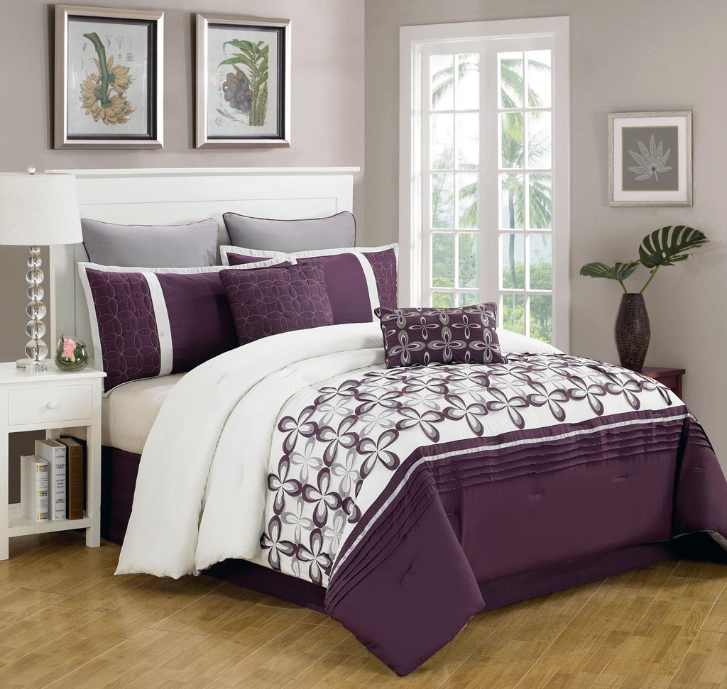 Purple bed sets queen - Purple White Bedcover Idea With Gray Pillowcases