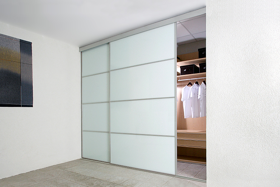 White sliding closet door options homesfeed for Sliding cupboard doors