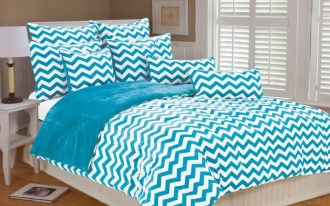 Turquoise and white bedding set with modern motifs