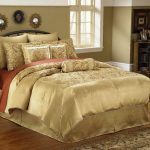 Luxurious bedding set in gold