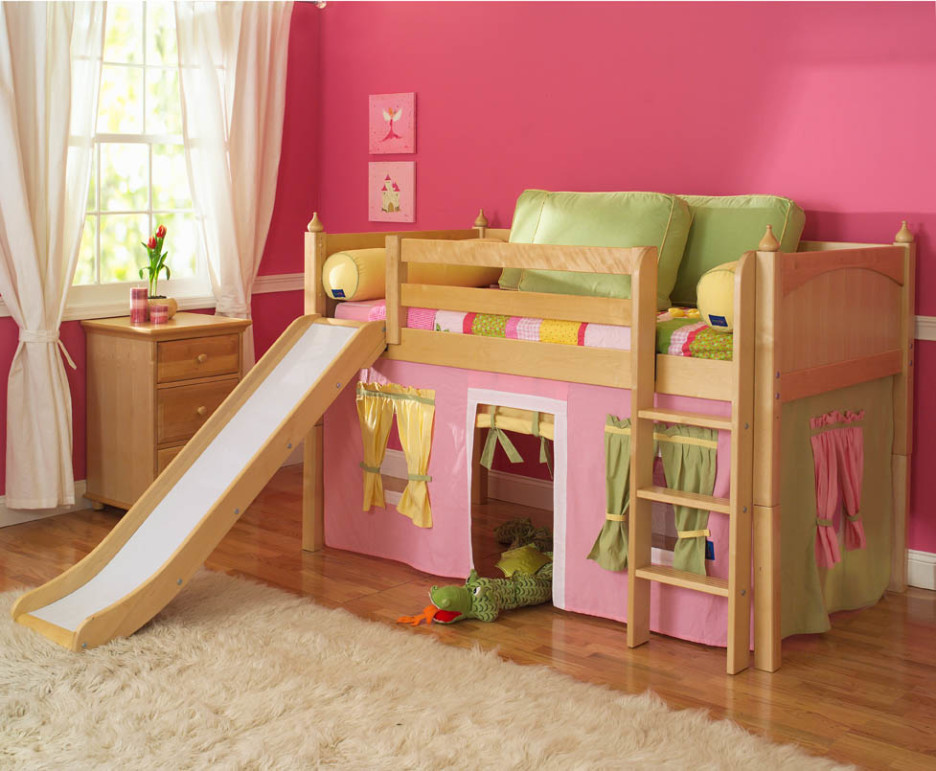 Ikea kids loft bed a space efficient furniture idea for for Futon kids room