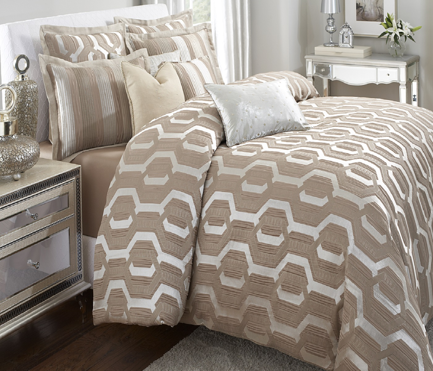 Contemporary luxury bedding set ideas homesfeed - Look contemporary luxury bedding ...