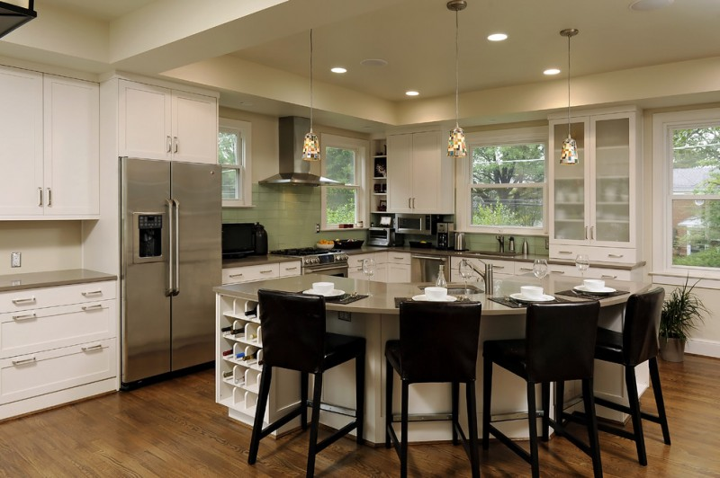 L shaped kitchen common but ideal kitchen designs homesfeed for Square shaped kitchen designs