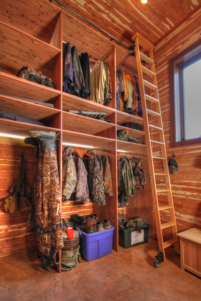 Ideas of functional and practical walk in closet for home for 6x6 room design