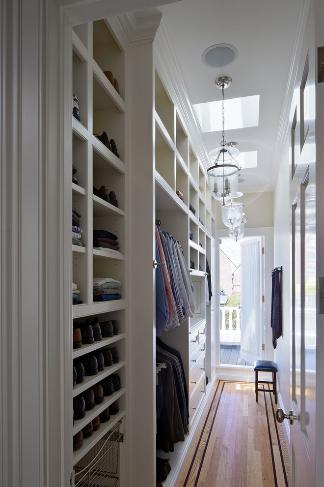 white bottom to top walk in closet in a deck of home exterior