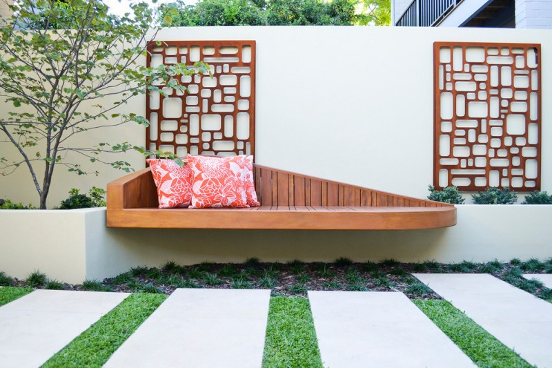 midcentury landscaping idea asymmetric floating wood bench red throw pillows decorative net look like wood partitions on walls