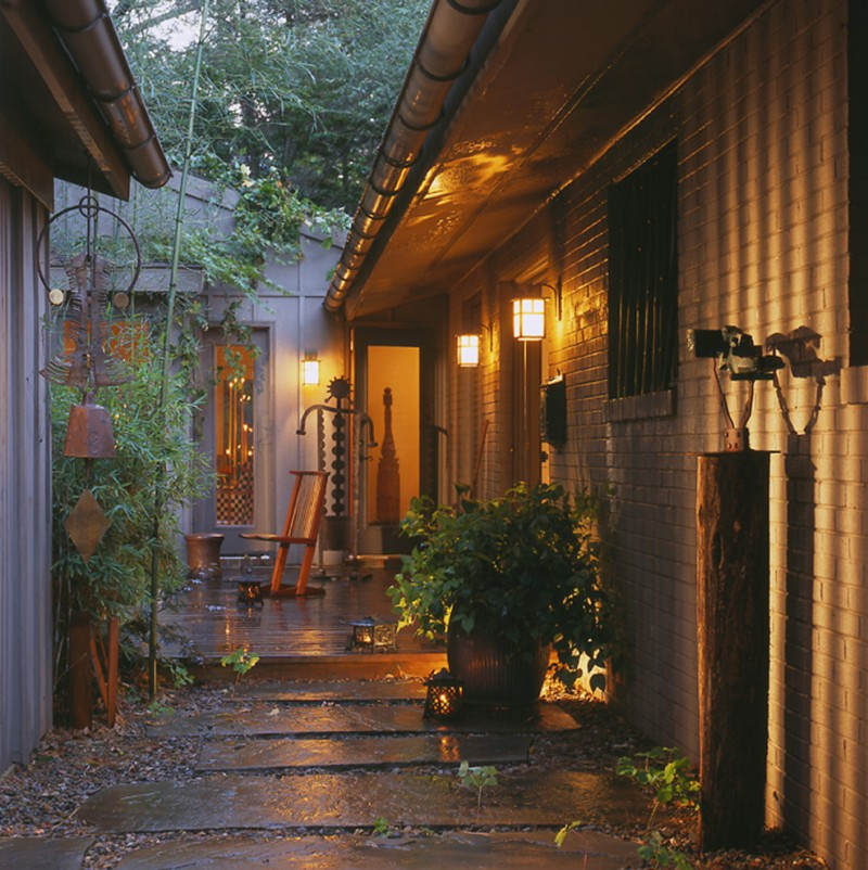 Adorable Outdoor Lighting Ideas for Eclectic Exterior Homes | HomesFeed