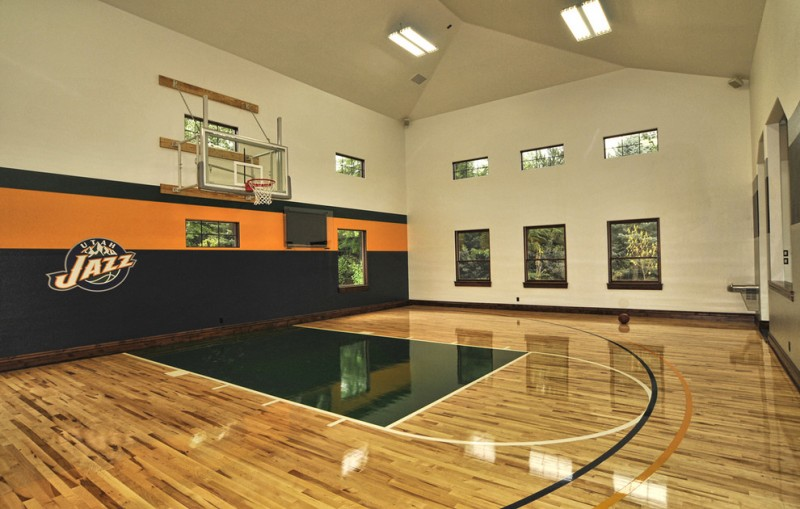 indoor basketball court healthy support for more private and fun exercise homesfeed. Black Bedroom Furniture Sets. Home Design Ideas