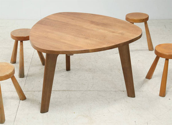 oak finished triangle dining table oak stools