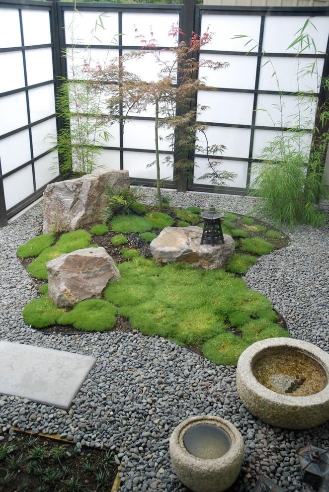 Asian interior landscape idea Shoji screens with black painted wood trims