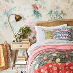Floral Wallpaper For Bedroom Vintage Style Bed Frame With Headboard Mid Century Modern Bedside Table Multicolored Bedding Treatment