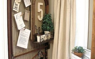 drop curtain with wood hanger