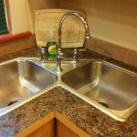 Symetric Double Corner Sink With Faucet