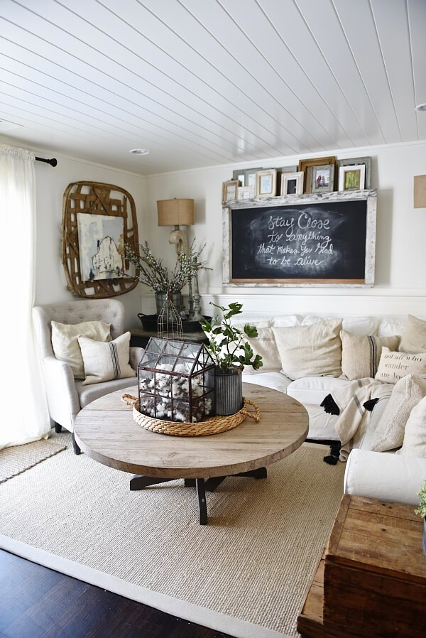 Rustic Farmhouse Living Room Ideas You Ll Love Homesfeed