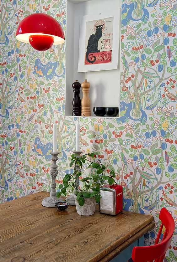 fun and poppy color wallcovering with floral prints