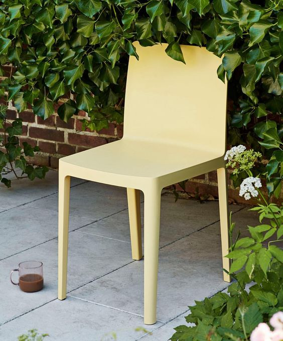 elementaire chair in light yellow