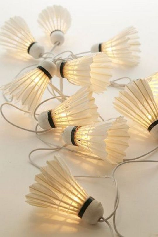 DIY string lamps made of used shuttlecocks
