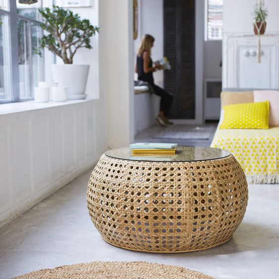 round shape rattan coffee table with glass top
