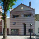 minimalist architecture with pink stripe