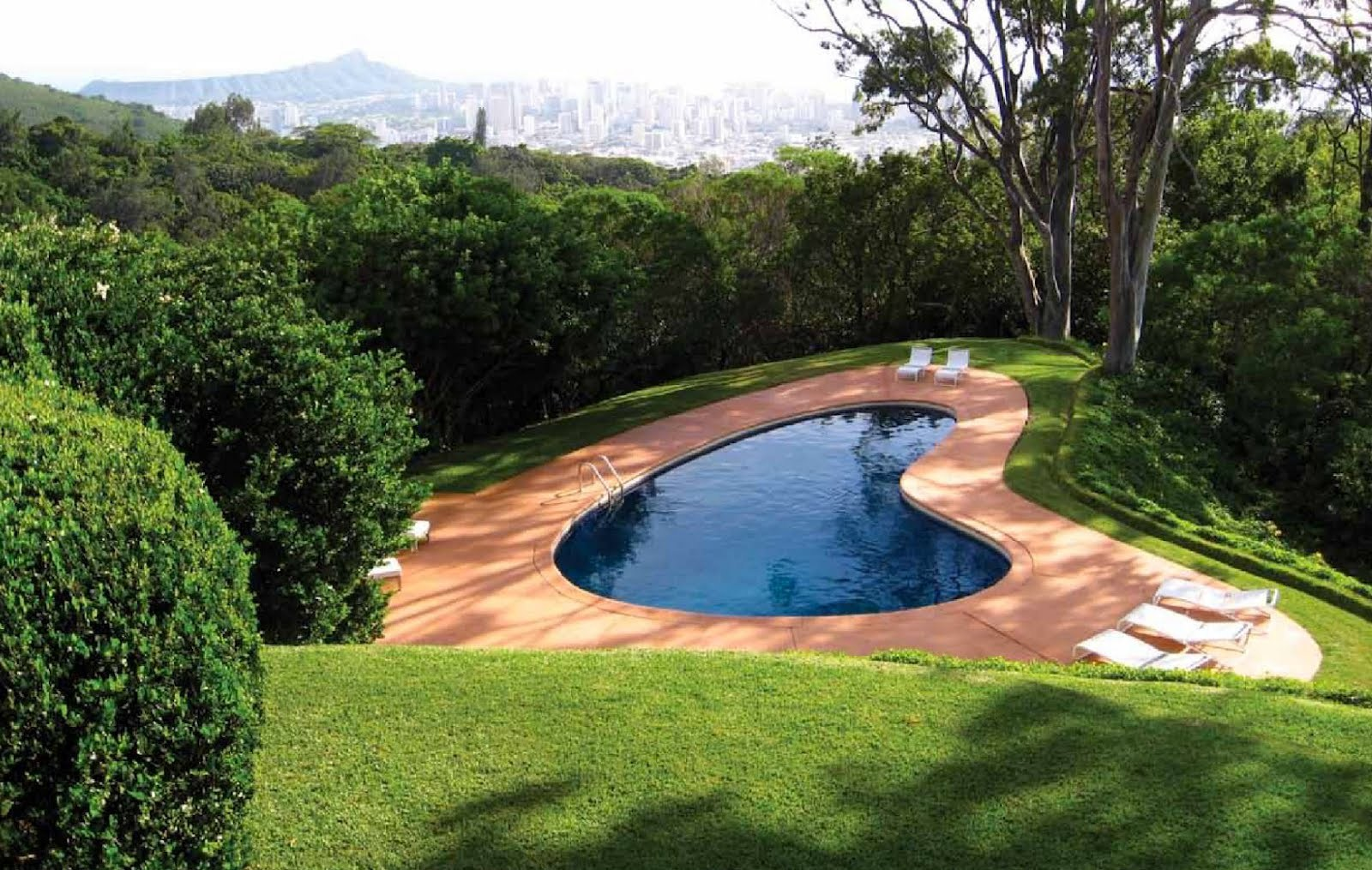 Small swimming pool design for your lovely house homesfeed for Pool design photos