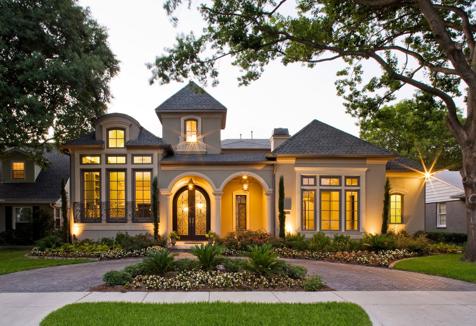 Upgrade Your House Exterior With These Tricks - HomesFeed on Beautiful Home Decor  id=64367