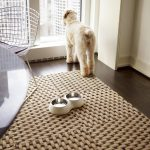 big pattern basket weave carpet food and drinking container for pet metal-net look chair