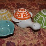 colorful turtles' shells measuring cups