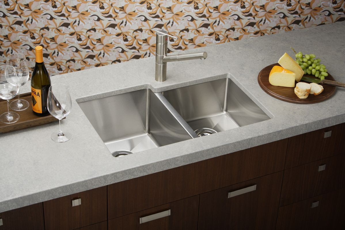 Best Stainless Steel Kitchen Sinks >> What is Best Kitchen Sink Material? | HomesFeed