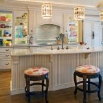 Classic Kitchen Island With Seating Unit Luxurious And Golden Light Pendant Lamps Hardwood Flooring For Kitchen