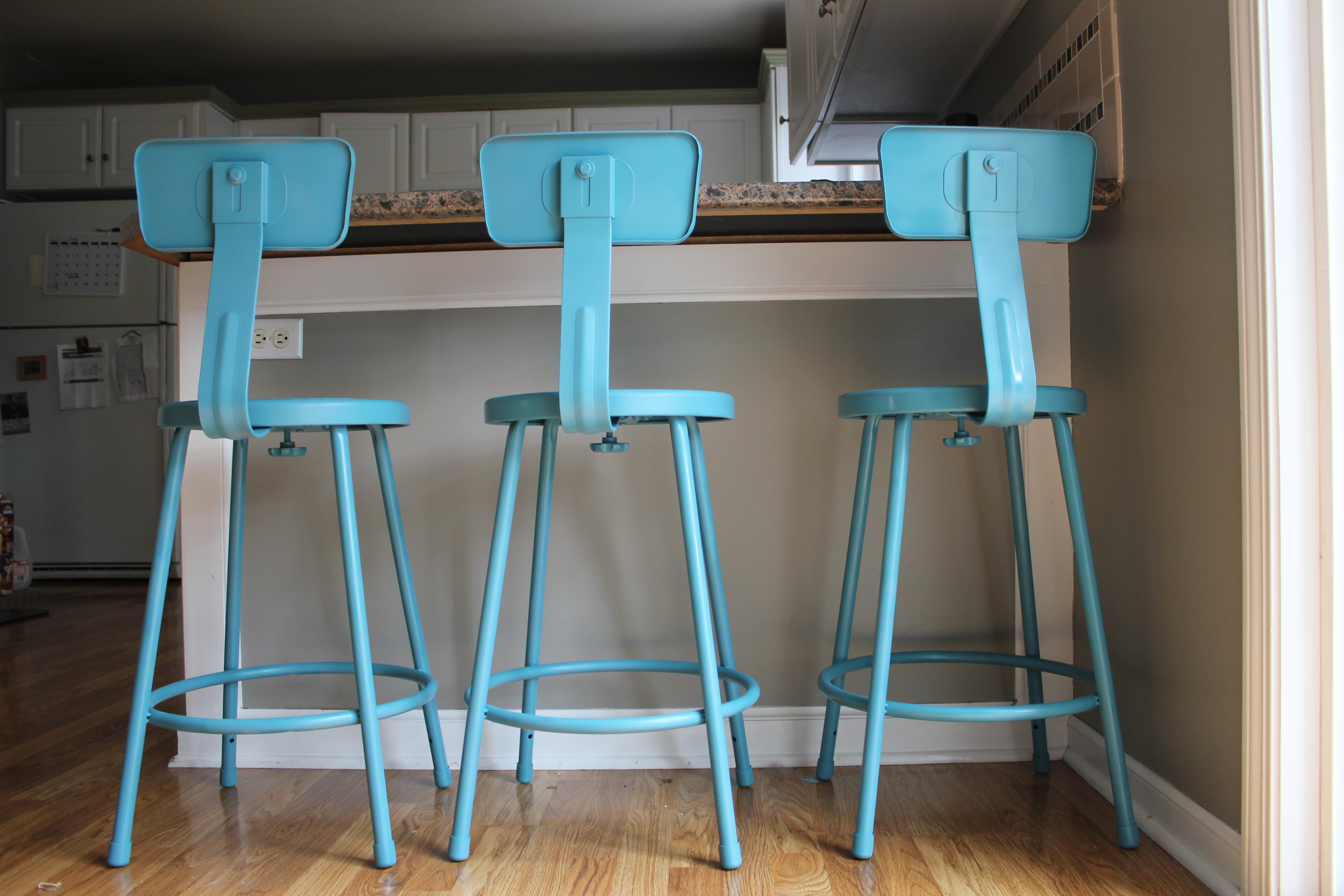 Turquoise Bar Stools Brighten Your Kitchen Bar Homesfeed