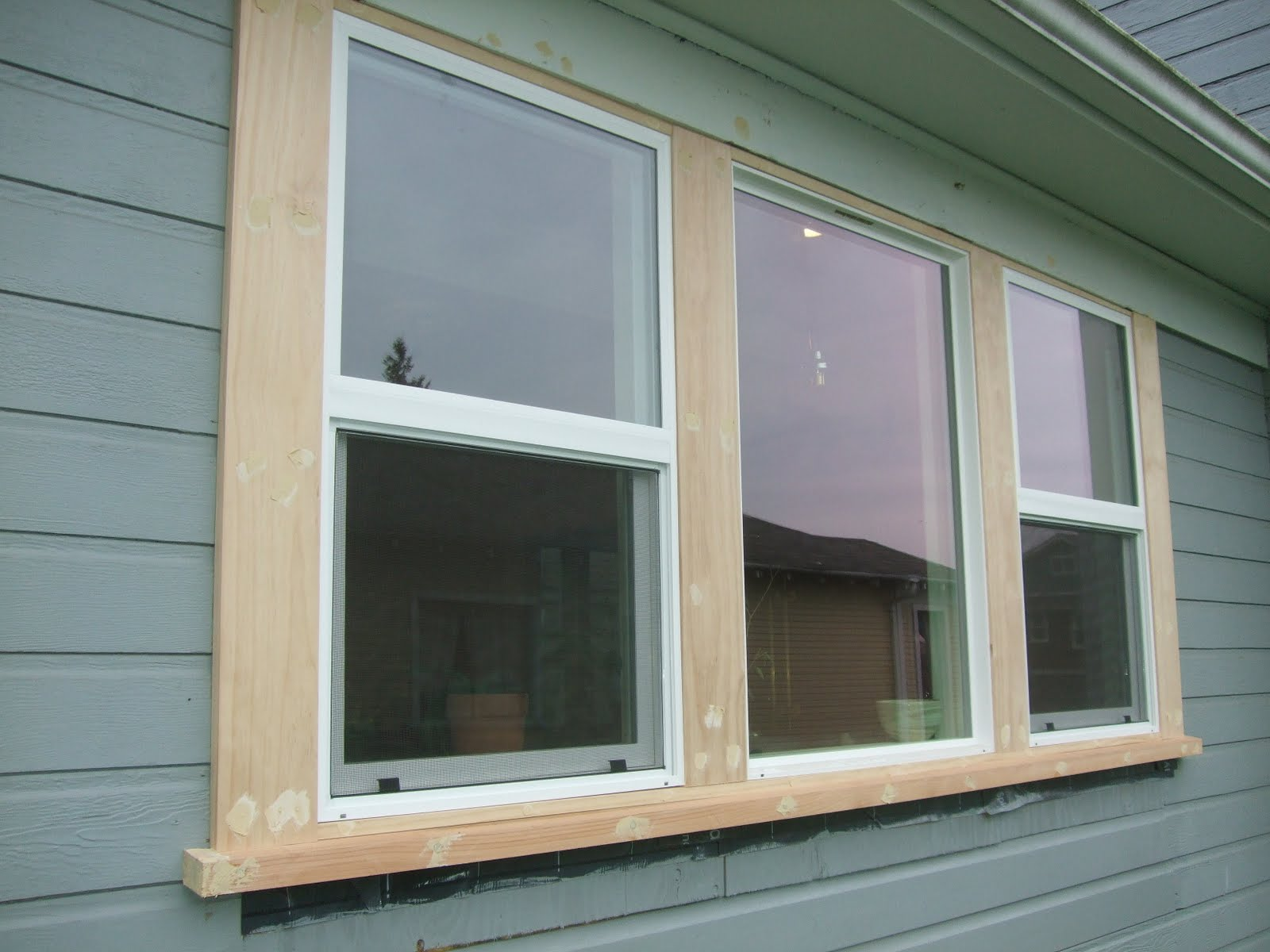 Hottest exterior outside window trim homesfeed - Exterior window designs for house ...