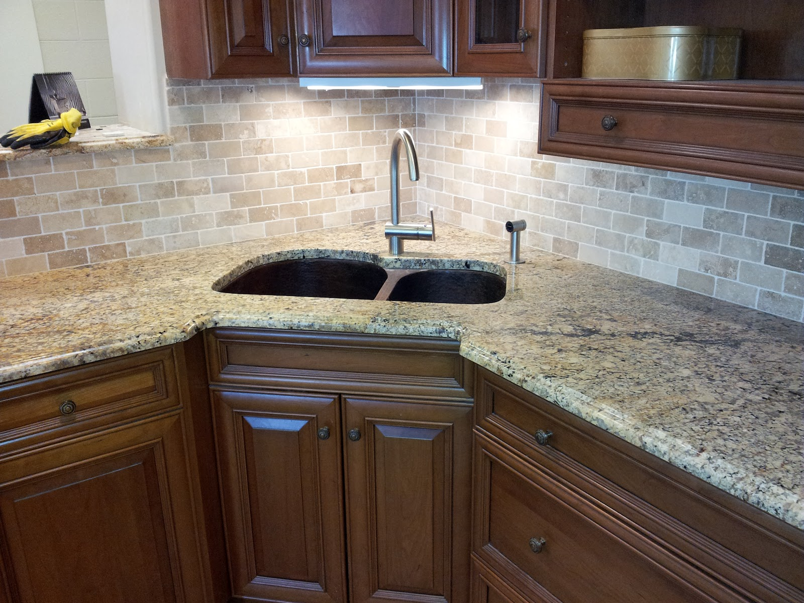 Groutless Backsplash, How to Minimize The Grouts? - HomesFeed on Granite Countertops With Backsplash  id=34850