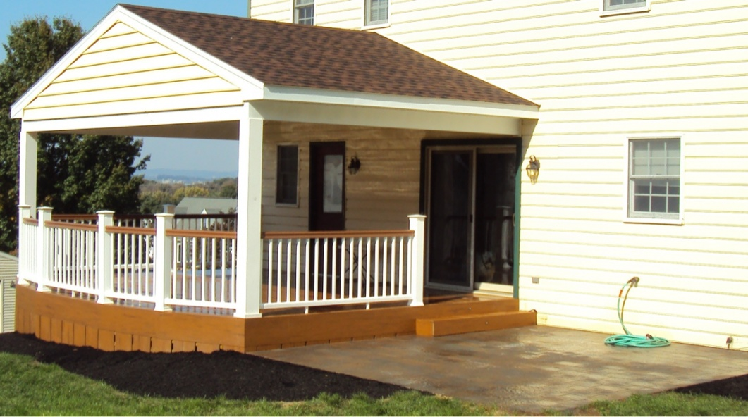 Porch Skirting Ideas to Cover Unappealed Space Porch ...