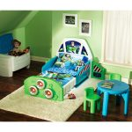 adorable-nice-cool-fresh-modern-toy-story-bedroom-decoration-with-green-and-blue-nuance-with-picture-of-buzz-on-pillow-an-bed-sheet