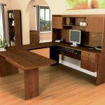 creative-nice-wonderful-moern-classic-u-shaped-desk-with-wooden-made-concept-design-and-has-large-built-in-computer-desk-with-booshelf-728x599