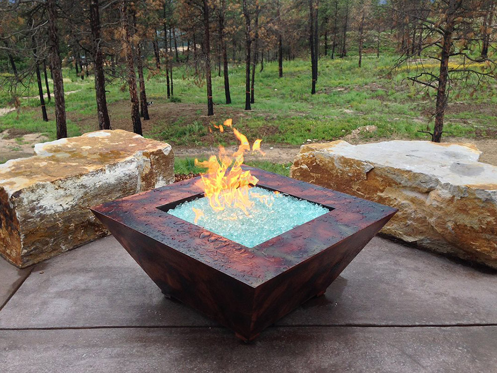 In Ground Fire Pit Design Juggles Cold Outdoor into a Warm ... on Outdoor Fireplace Pit id=71328