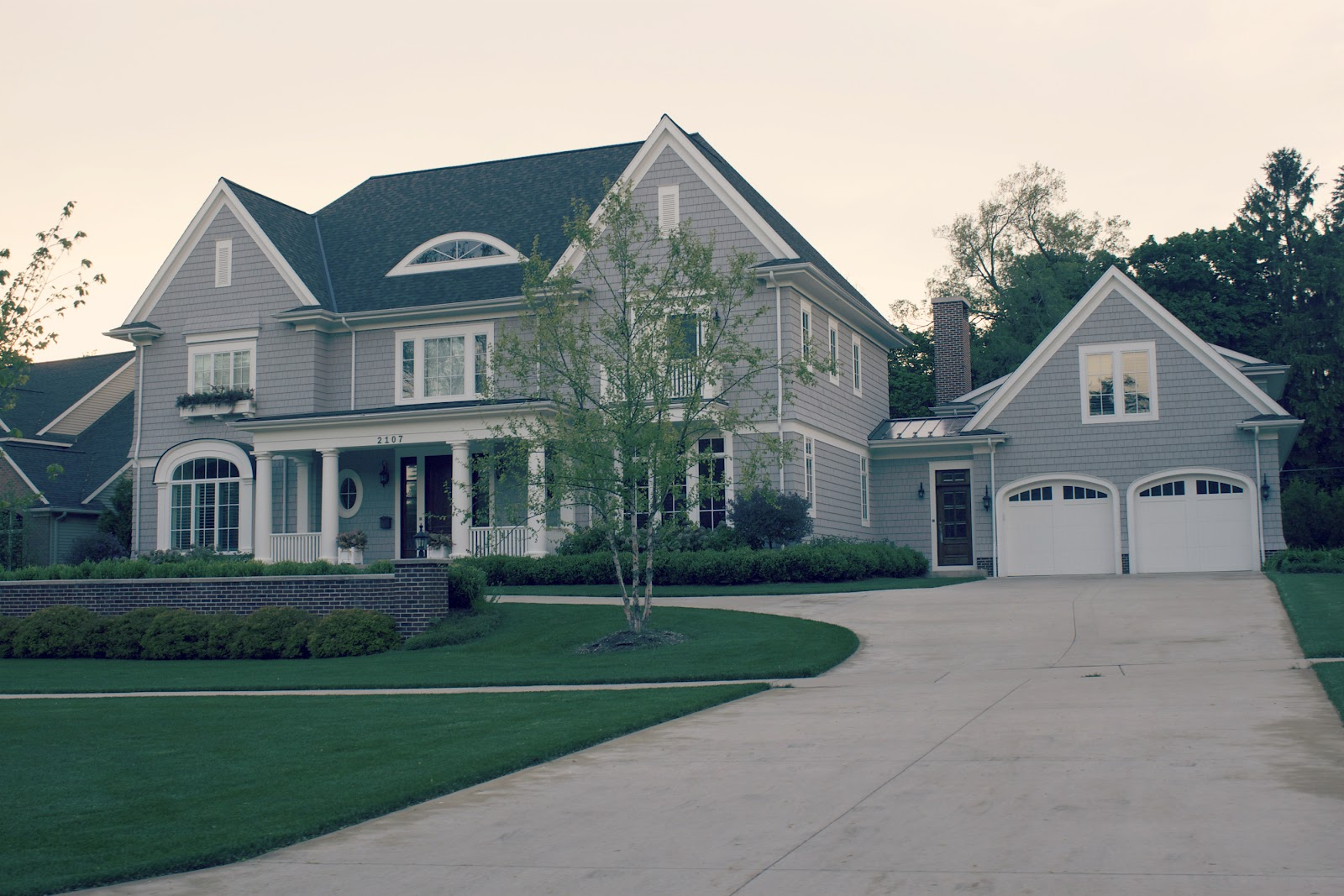 Cool Garage Doors on Pool House Plans With Garage