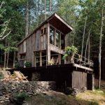 creative-nice-classic-fresh-old-mall-rustic-cabin-plan-with-dark-wooden-concept-in-forest-with-green-trees-around-it
