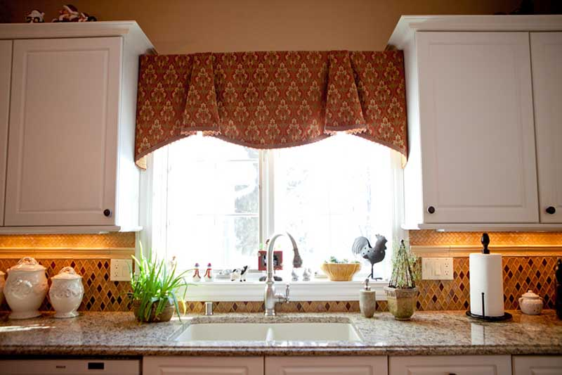 kitchen curtains over sink window treatments for small windows in kitchen homesfeed 573