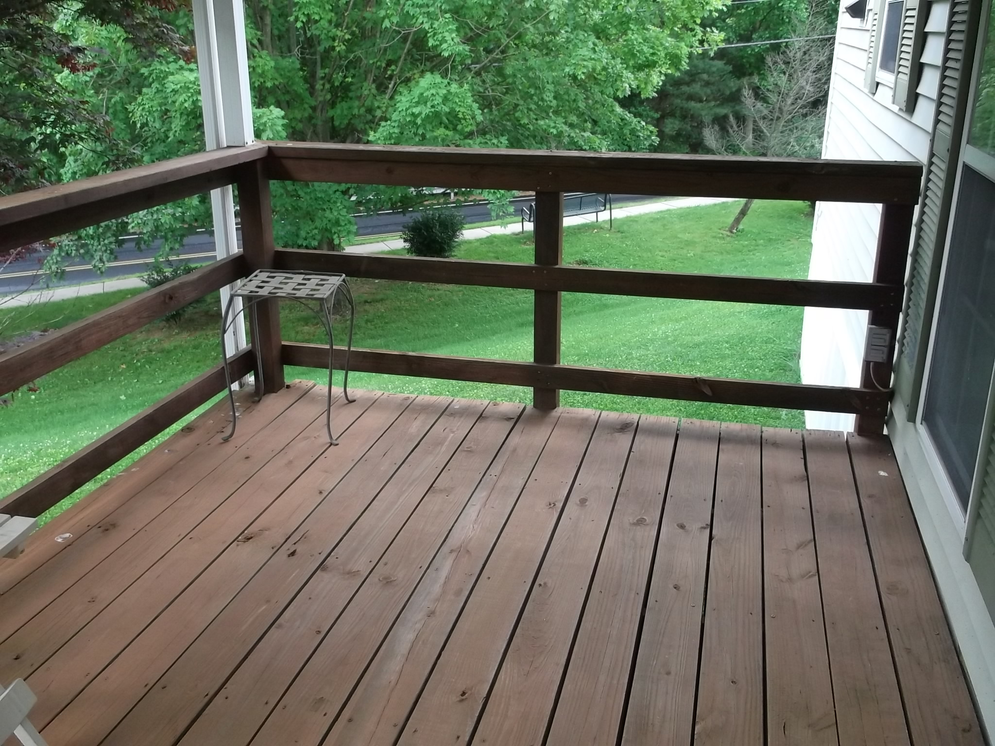 Horizontal Deck Railing Embraces Every Outdoor Living with ...