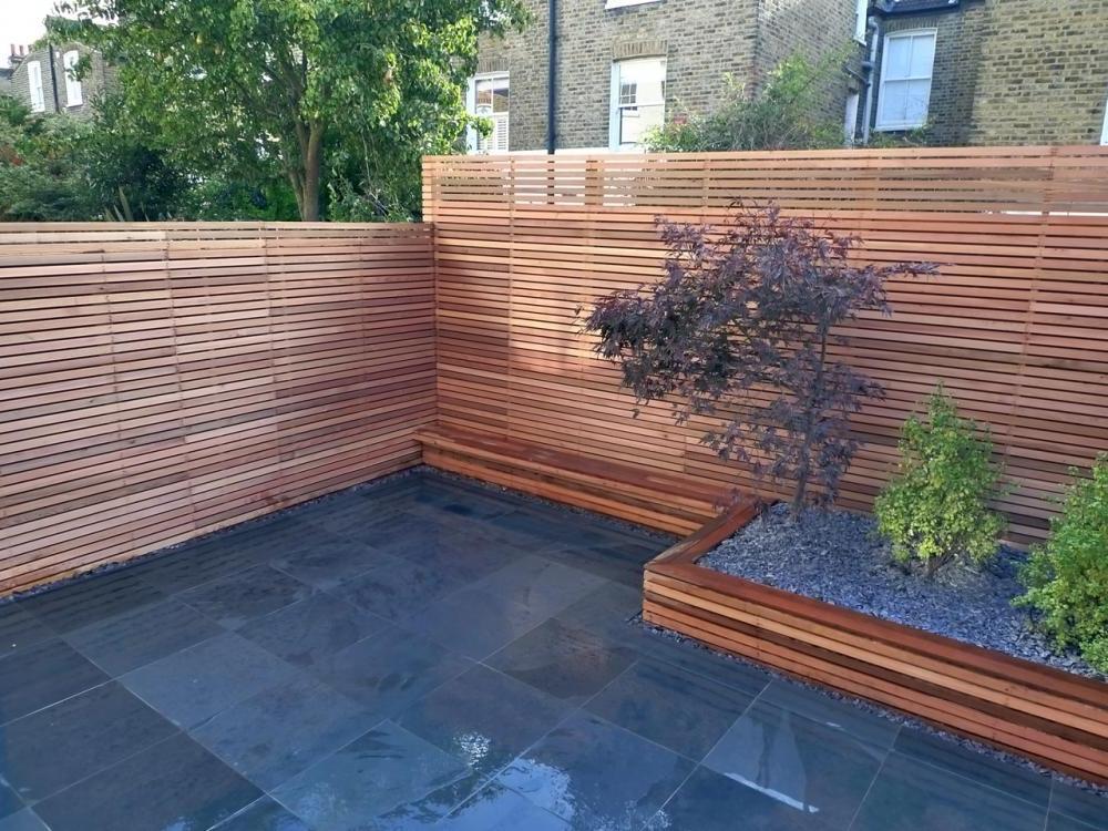 Backyard Fencing Ideas for Your Beautifull Garden | HomesFeed on Backyard Wooden Fence Decorating Ideas id=95136