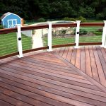 horizontal deck with wire rails and wood base