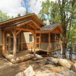 rustic cabin in the lake area