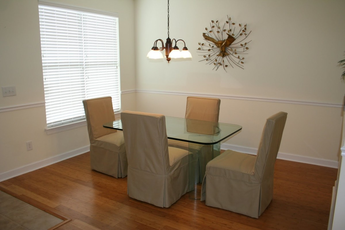 Dining Room With Chair Rail Molding