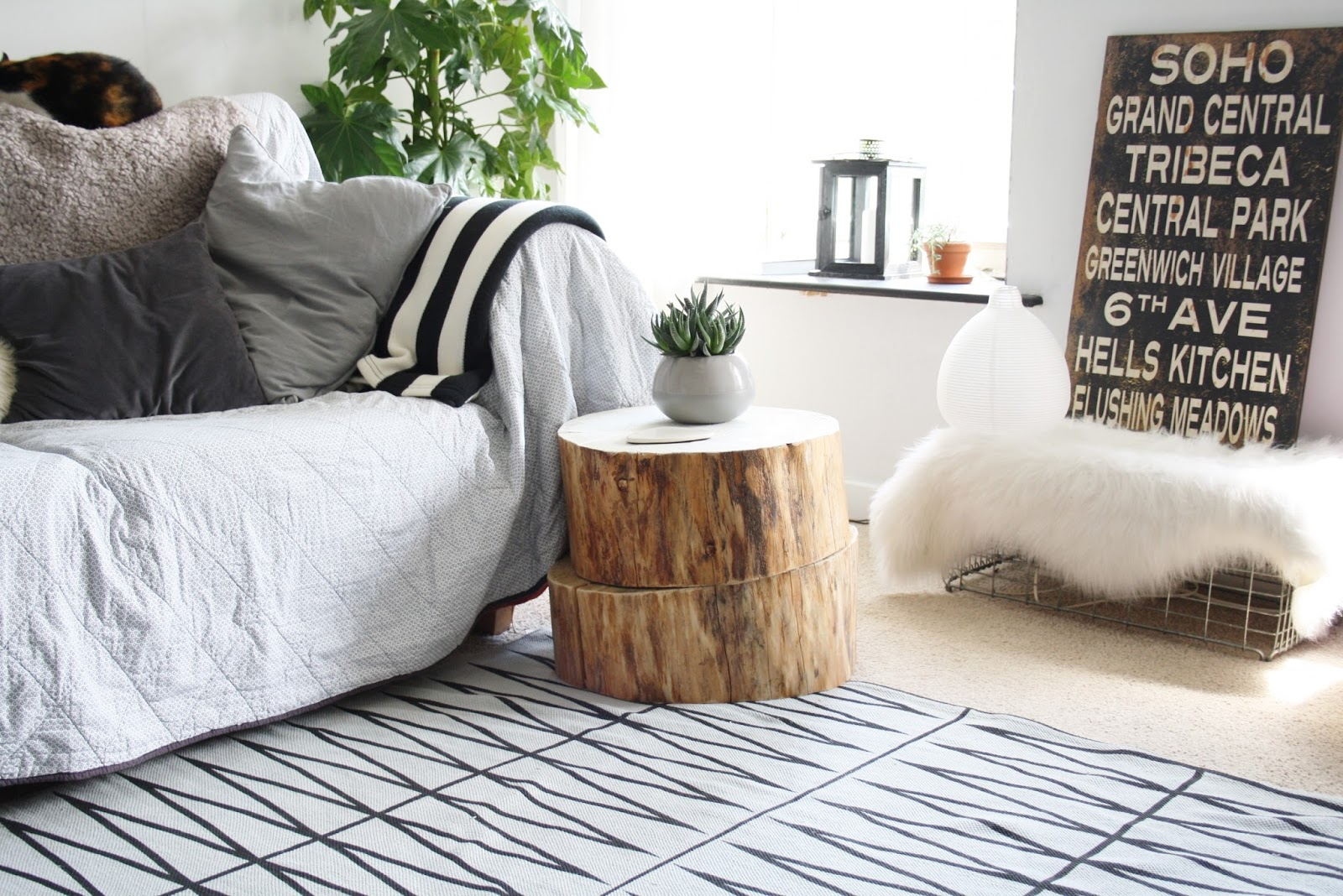 Wooden Stump Side Table | Home design ideas