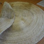 ways to cleaning round jute rugs in floor