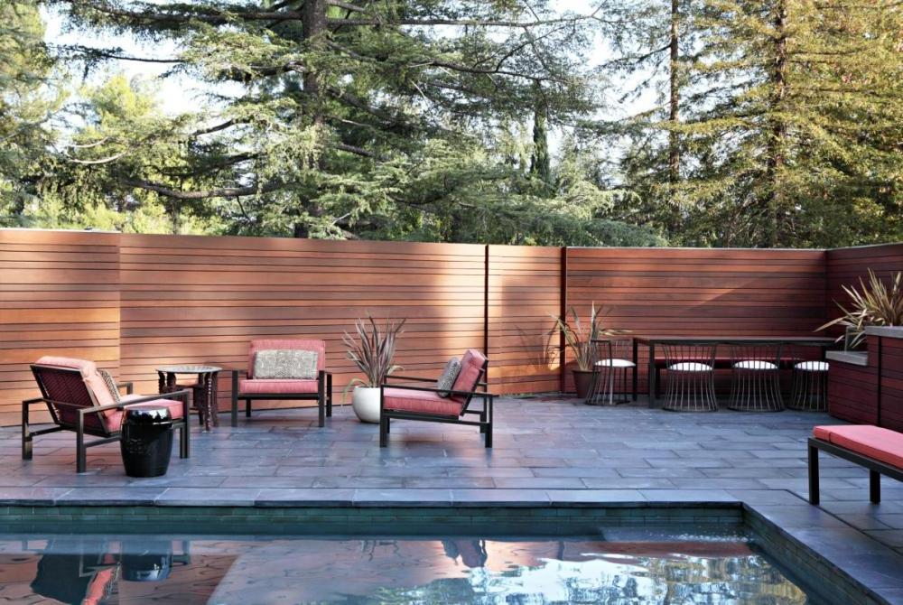 Backyard Fencing Ideas for Your Beautifull Garden | HomesFeed on Backyard Fence Decor Ideas id=57517