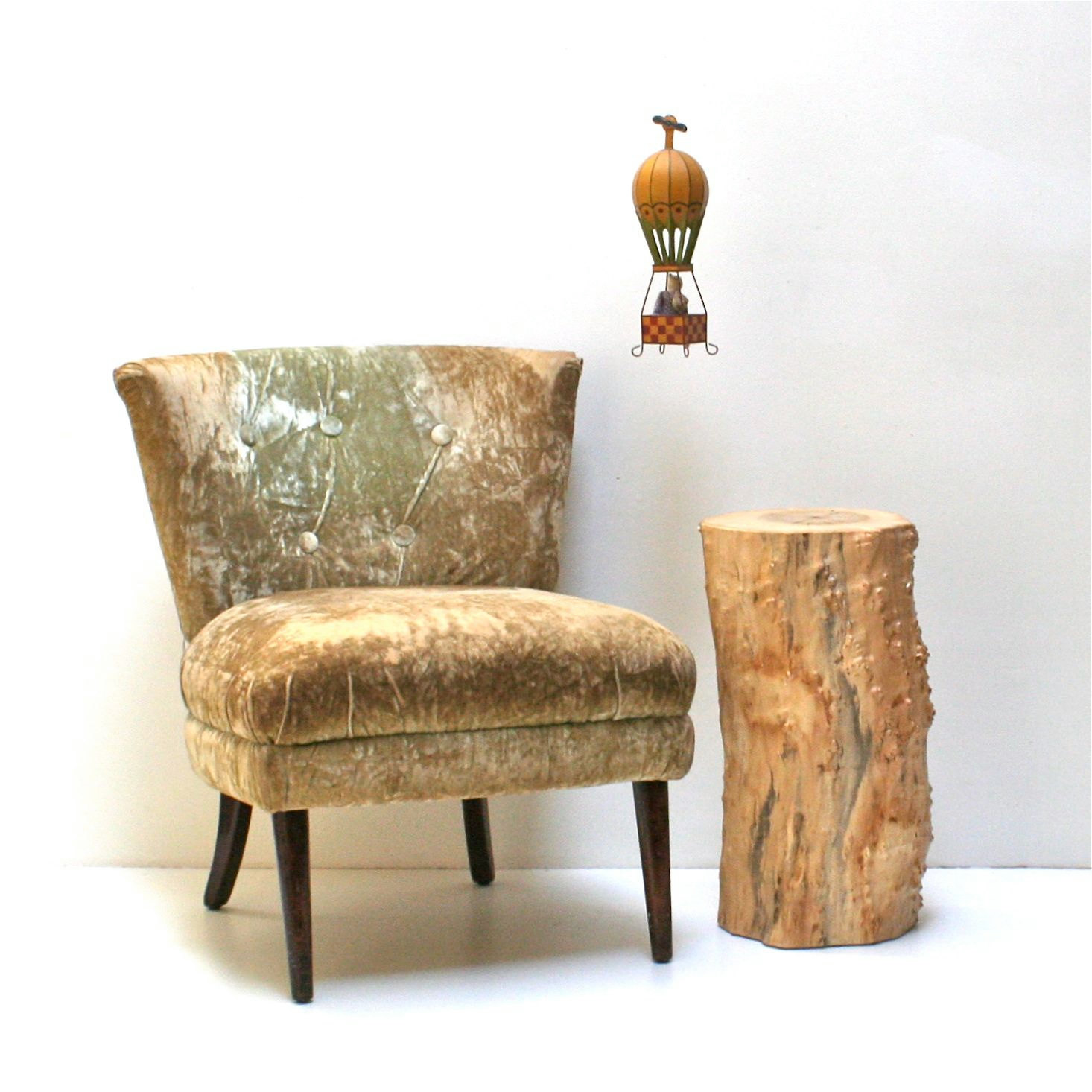 wood stump side table add stunning and rustic look to a room homesfeed