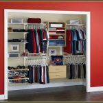 Garment closet organizer design for mudroom made by using virtual closet planner