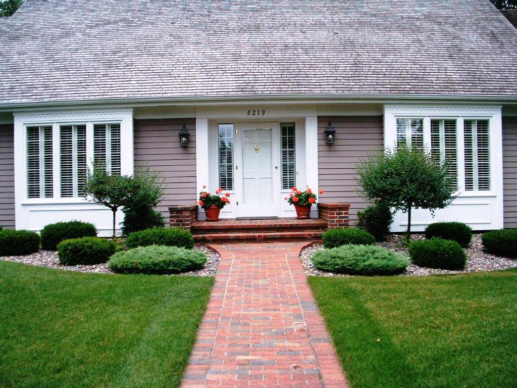 Front Yard Design for Ranch Style Homes | HomesFeed on